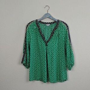Crown & Ivy Geometric Pattern 3/4 Sleeve Top